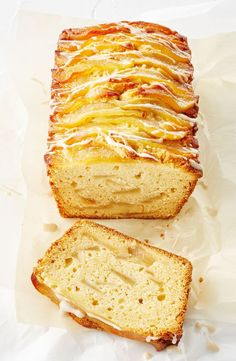 This autumnal teatime treat has a delicious honey drizzle and sweet pear layers. Honey Recipes, Sweet Recipes, Cake Recipes, Pear Dessert Recipes, Pear Loaf Recipes, Vegetarian Desserts, Jelly Recipes, Gf Recipes, Fruit Bread