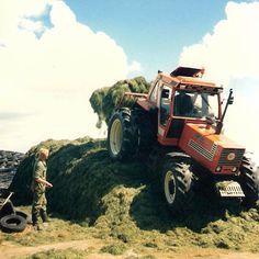 De oude doos - Loonbedrijf G.D. de Vries Tractor Pictures, Besta, Good Old Times, Engin, New Holland, Agriculture, Techno, Monster Trucks, History