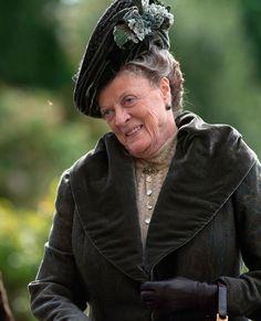 Maggie Smith dans le rôle de Violet Crawley dans la saison 3 de « Downton Abbey »