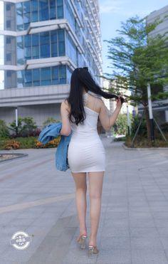 Satin Bodycon Dress, Korean Girl Fashion, Women's Fashion, Girls In Mini Skirts, Cute Asian Girls, Beautiful Asian Women, Sexy Curves, Tight Dresses, Asian Woman