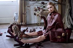 Cara Delevingne xa Mulberry Ph: Tim Walker  Creative Director: Ronnie Cooke Newhous