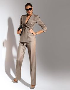 The beauty and classic elegance of women's fashion. Business Outfits, Business Attire, Office Outfits, Business Fashion, Office Attire, Office Fashion, Work Fashion, Fashion Outfits, Womens Fashion