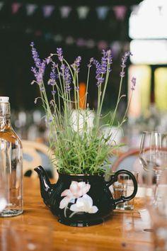 lavender teapot centrepiece  | onefabday.com