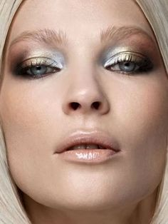 """Dramatic Eye Makeup Looks to Die For Metallics: """"mixed metals"""" and nude glossy lips. 15 Dramatic Eye Makeup Looks to Die For Makeup Fx, Fall Makeup, Makeup Brushes, Beauty Makeup, Winter Makeup, Makeup Eyeshadow, Cream Eyeshadow, Silver Eyeshadow, Eyeshadow Tips"""