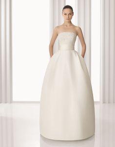 Rosa Clara - a wedding dress with pockets .. oh my god