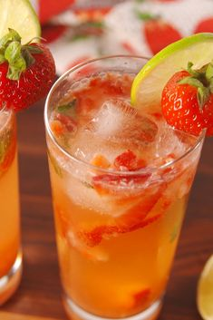 Whether you're looking to make the perfect mint or strawberry mojito or want to try new bold flavors like grapefruit or lavender, these recipes bring a whole new spin to the classic cocktail. Rum Cocktails, Beste Cocktails, Cocktail Recipes, Popular Cocktails, Alcoholic Drinks, Beverages, Drink Recipes, Dessert Recipes, Halloween Snacks For Kids