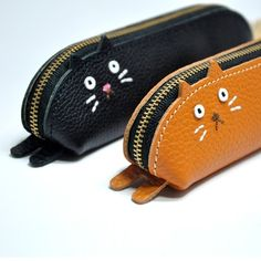 Diy Leather Gifts, Diy Leather Belt, Leather Bag Design, Leather Tooling, Leather Craft, Leather Wallet, Coin Purse Pattern, Animal Bag, Tandy Leather
