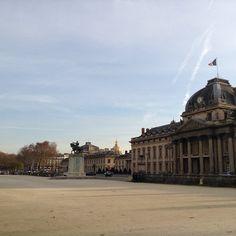 L'École militaire Place Joffre by vive94