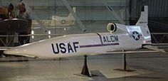 El Boeing AGM-86 ALCM (siglas en inglés de: Air-Launched Cruise Missile) es un misil de crucero subsónico lanzable desde avión fabricado en Estados Unidos por Boeing y usado por la Fuerza Aérea de los Estados Unidos. Estos misiles fueron desarrollados para incrementar la efectividad y supervivencia de los bombarderos estratégicos Boeing B-52H Stratofortress