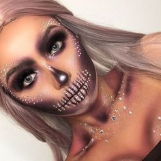 "48 Likes, 2 Comments - Halloween Makeup (@queensofhalloween) on Instagram: ""New Account! Follow for Halloween 2017 Inspo  . . . . . . . . .…"""