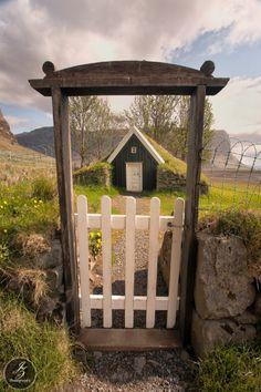 beautiful scene through the gate...