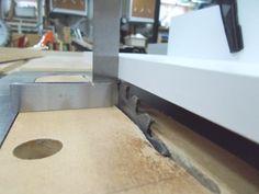 Ripping Long Taper at the Table Saw / Couper un long biseau au banc de scie – Atelier du Bricoleur (menuiserie)…. The Saw, Table Saw Jigs, Sink, Workshop, Woodworking, Home Decor, Carpentry, Floor, Atelier