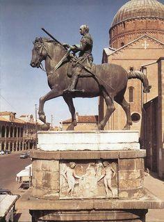 Donatello, Equestrian Monument of Gattamelata (Erasmo da Narni), 1445-53, bronze, 12 feet, 2 inches high, Piazza del Santo