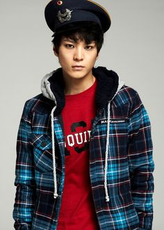 Joo Won - My first time watching him in a drama and he's absolutely killing his role in Yong Pal! He's a great actor and very cute :)
