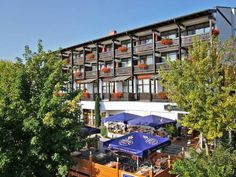 Aparthotel Bad Griesbach 2156 Bad Griesbach Aparthotel Bad Griesbach 2156 offers accommodation in Aunham. Bad F?ssing is 13 km away.  All units include a TV. Some units feature a dining area and/or balcony. There is also a kitchenette, equipped with a fridge.