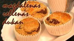 magdalenas dukan rellenas de chocolate  INGREDIENTES: * 1 huevo * 1/2 tacita de leche * 3 cdas. de salvado de avena * 2 cdas. de Maizena *1/2 sobre de levadura en polvo * 4 cdtas. de edulcorante líquido * Nocilla Dukan Healthy Desserts, Healthy Breakfasts, Muffin, Cupcakes, Sweet, Food, Diet Ideas, Cake Pops, Paleo
