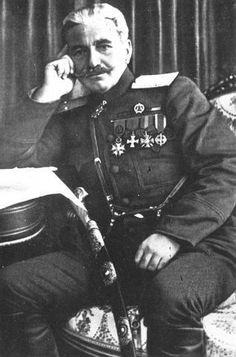 Donan las memorias del General Andranik al Museo Nacional