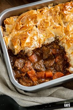 Epic Steak and Vegetable Pie with a delicious golden filo pastry topping - tender pieces of beef with carrots and onion in a deliciously rich homemade gravy. Steak Pie Recipe, Beef Steak Recipes, Filo Pastry Pie, Beef And Mushroom Pie, Veg Pie, Beef Pot Pies, Vegetable Cake, Slimming Eats, Cooking