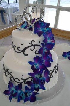 Round Fountain Wedding Cake Fountain Cakes Elegant Wedding