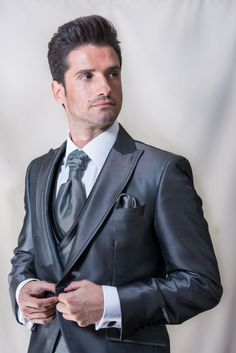 4520918fa Marco Magliotti Colección 2018. Eva Novias · Moda Hombre. Trajes de  ceremonia