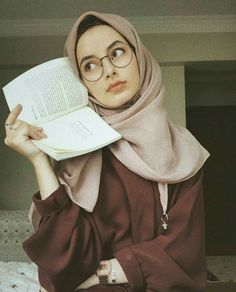 Hijab Elegante, Hijab Chic, Beautiful Muslim Women, Beautiful Hijab, Hijabi Girl, Girl Hijab, Arab Fashion, Muslim Fashion, Moda Hijab