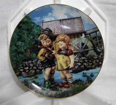 """M.I. Hummel """"Hello Down There"""" Colletor Plate,Little Companions by Danbury Mint"""