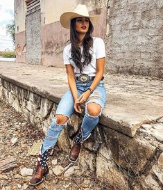 The Effective Pictures We Offer You About mexican Country Outfit A quality picture can tell you many things. You can find the most beautiful pictures that can Country Girl Outfits, Cute Cowgirl Outfits, Western Outfits Women, Cowboy Boot Outfits, Rodeo Outfits, Country Girl Style, Country Fashion, Cute Outfits, Cow Girl Outfits