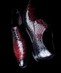 旦那様語録。。 革靴。  ねぇ、この革靴、生々しいよ。。 だから、入れるんだ。 まァ、人間って、残酷ね~ って、おれからの、メッセージ。