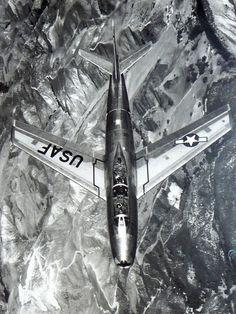 .PICAPIXELS / tumblr • rhubarbes: North American TF-86F Sabre via...