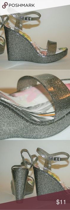 """Qupid Jelly Wedges Jelly Glitter Wedges / Gray - Silver Accents / New Condition / 4.5"""" Wedge Qupid Shoes Wedges"""