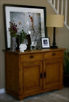 love this entryway, rustic chest is wonderful