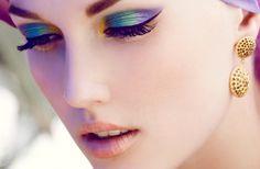 vintage 1950s bride wedding makeup inspiration peacock eyes