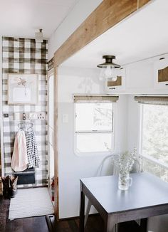 Camper Design Vibes: Modern Farmhouse-Inspired Fifth Wheel Camper Interior Design, Van Interior, Tiny House Living, Rv Living, Rv Kitchen Remodel, Camper Makeover, Camper Renovation, Remodeled Campers, Fifth Wheel