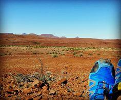 Last day in the deep desert of Damaraland 🌍 Namibia 🌞 Slowly moving back to GocheGanas 🐆 Lodge and Nature Reserve #gocheganas #namibia #wilderness #damaraland #kunene #travel #nature  with 👣 #salomon #speedcross #timetoplay