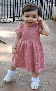 Diy Crafts - A perfect first birthday party dress or christening gown for that precious little baby princess. Knitting For Kids, Baby Knitting Patterns, Baby Patterns, Girls Knitted Dress, Knit Baby Dress, Princess Dress Patterns, Nice Dresses, Girls Dresses, Romper Pattern