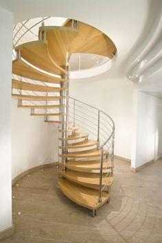Escaleras de diseño. Escaleras para interior de la firma italiana Marretti. Escaleras de caracol de madera