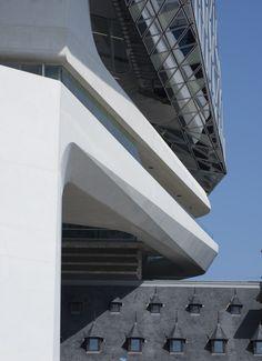 Gallery of Antwerp Port House / Zaha Hadid Architects - 7