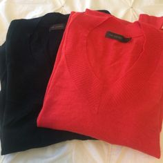 The limited the V Neck sweaters The limited the V Neck sweaters size S   Orange and black lightweight sweaters can be worn casually or with a pencil skirt in good condition The Limited Sweaters