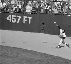 Giants Baseball, Baseball Players, Pittsburgh Steelers Football, Willie Mays, Beauty Beast, History Classroom, Perfect Game, Sports Pictures, San Francisco Giants