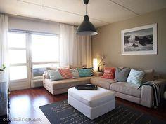 Colorful cushions / Värikkäät koristetyynyt