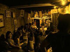 O Lapeju Bar recebe na quinta, 26, o Sarau Dá Corda, com microfone aberto e convidados especiais, a partir das 20h. A entrada é Catraca Livre.