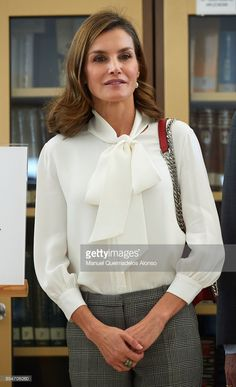 27 September 2017 - Queen Letizia attends the opening of vocational training course 2017/2018 at the Segundo de Chomon Secondary School in Teruel - blouse by Hugo Boss, trousers by Mango, bag by Zara