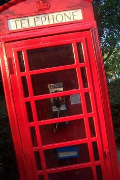 Someday I will have an old phone booth in my home or yard or somewhere :) They are awesome!