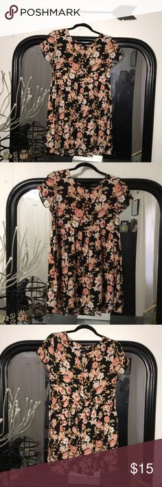 {forever 21} black floral print dress Floral cap sleeve dress. Size S. Forever 21 Dresses Mini