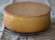 Sponge cake top and soft without yeast and no oven, quick and easy recipe Gram Of Sugar, Thermomix Desserts, Baking Tins, Cake Toppings, Sponge Cake, Base Foods, Quick Easy Meals, Cornbread, Vanilla Cake