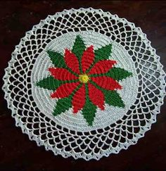 freechristmas chrochet | One of the first free patterns I made from the Net is the Poinsettia ...