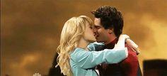 No!   Andrew Garfield And Emma Stone Are Bad At Kissing