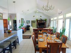 www.38fortunevillage.com dining room. great house for sale in The Bahamas