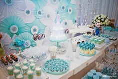Frozen themed birthday party via Kara's Party Ideas KarasPartyIdeas.com Decor, desserts, recipes, favors, and more! #frozen #frozenparty (17)