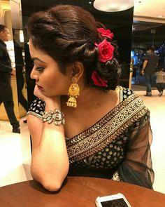 Cutipieanu #indianweddinghairstyleswithdupatta Saree Hairstyles, Bride Hairstyles, Hairstyles Haircuts, Cool Hairstyles, Hairstyle Ideas, Office Hairstyles, Hairstyle Short, Hair Updo, Plats Hairstyles